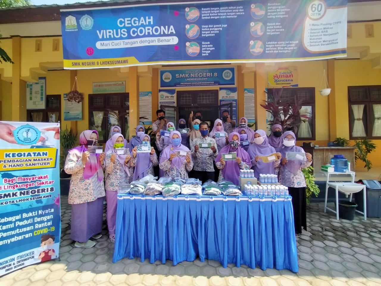 Cegah Covid 19 Smkn 8 Lhokseumawe Bagi Bagi Masker Dan Sanitizer Jaringan Pelajar Aceh